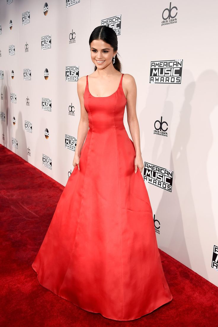 Selena Gomez in AMAs 2016 ! She's back ! ;D