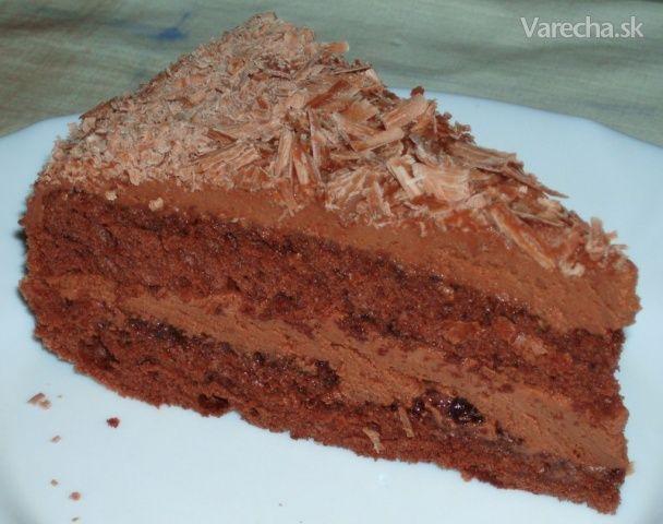 Pre mňa najlepšia čokoládová torta :) Je naozaj veľmi jednoduchá.  Korpus som robila podľa pani Ivosenky : http://www.varecha.pravda.sk/recepty/kakaovy-olejovy-korpus-na-tortu-fotorecept/17134-recept.html . Robila som ho však iba zo 4 vajec a teda aj ďalšie suroviny som tomu prispôsobila. Nechcela som, aby bol korpus príliš vysoký....nič by sa nestalo ani vtedy, ak by som dala 5 vajec, krému je dosť.