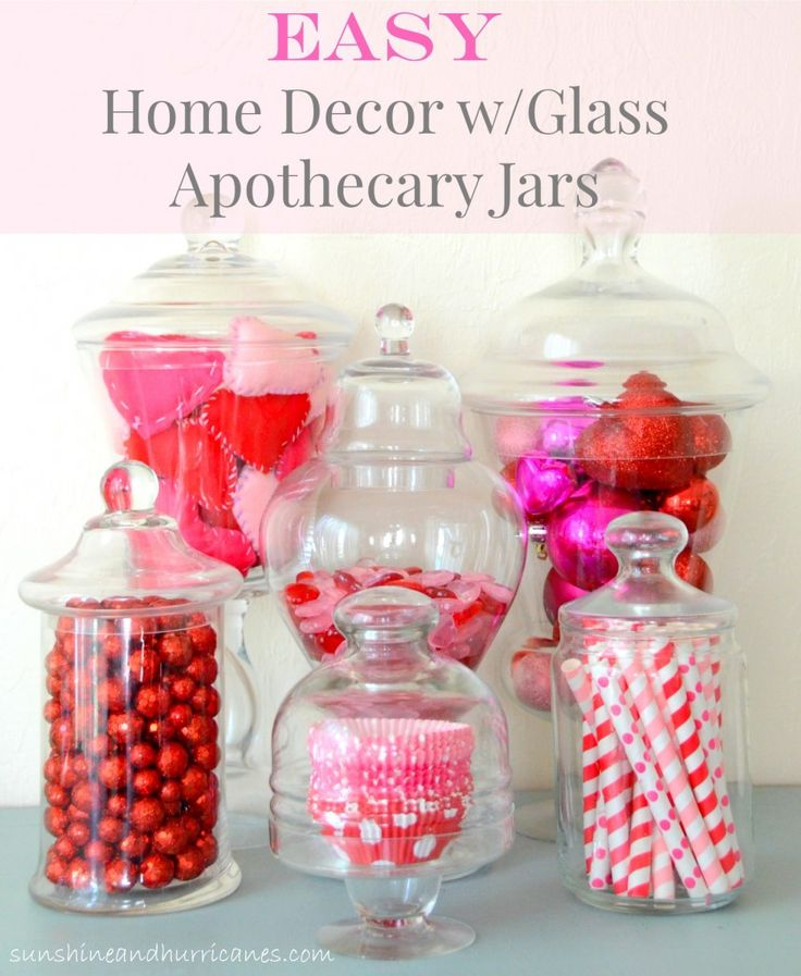 Beautiful home decor that is simple and quick to pull together as well as inexpensive.These adorable ideas will have you sprucing up the house in a way that is fast and easy. Such a darling way to create a festive holiday atmosphere any time of the year! Easy Home Decor with Glass Apothecary Jars