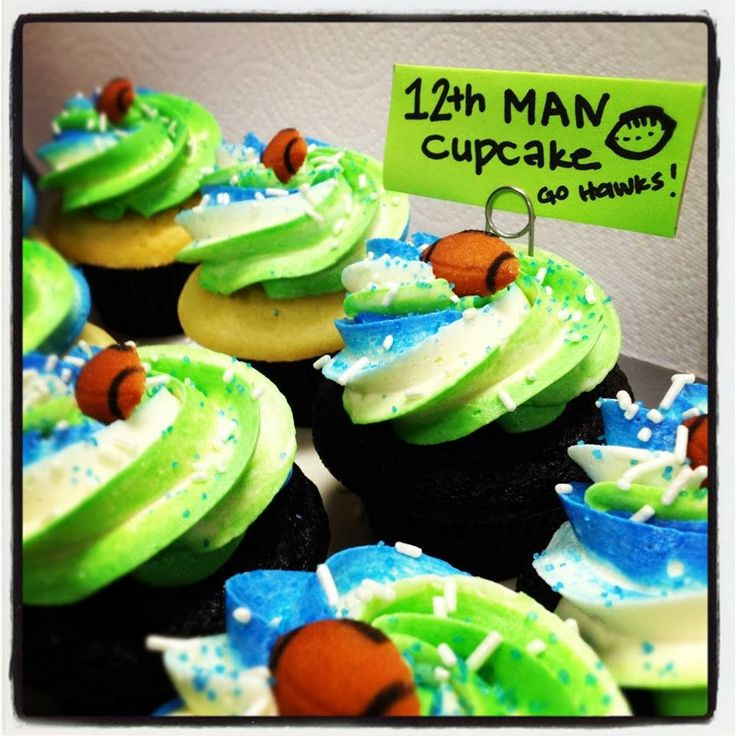 seahawk cupcakes | Cupcakes Take The Cake: Seattle Seahawks 12th Man Cupcakes & Where to ...