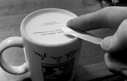 How To: Sharpen your knives with the bottom of a coffee mug! - smart and effective!