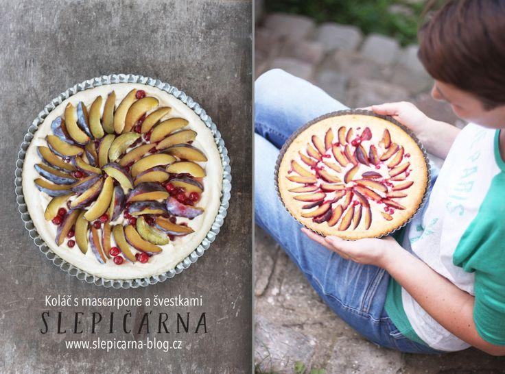 Napečeno spříběhem: Neuvěřitelně dobrý koláč smascarpone aovocem ze zahrady