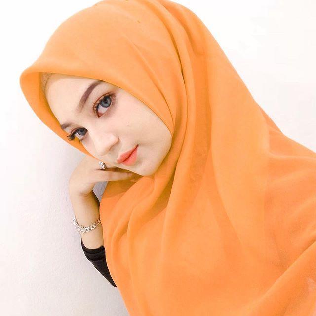 Pin Oleh Utuk Said Di Jilbab Cantik Di 2020 Jilbab Cantik Wanita Kecantikan
