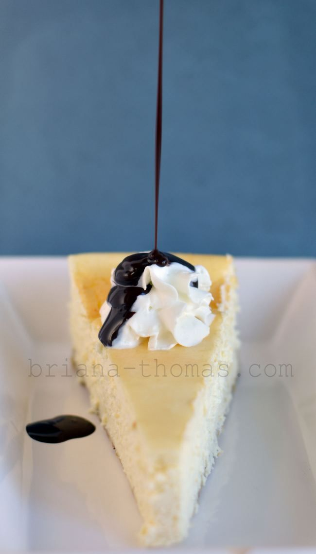 New York Style Cheesecake {Low-carb, Sugar-free, THM:S} - this would be a great dessert to take to a gathering for Thanksgiving or Christmas.