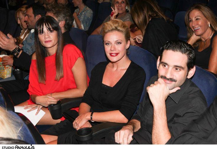 Λαμπερή πρεμιέρα  για την ελληνική κωμωδία της χρονιάς Στα Καλά Καθούμενα (Photos)