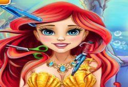 Después de que el Príncipe Eric invitara a la princesa Sirena a la fiesta del reino, ella quiere que vos la peine en tu salón de belleza. Ni te imaginas la gran cantidad de diferentes estilos que puedes hacer con la sirenita. Desata tu imaginación como peluquera e implanta nuevos peinados y estilos a las princesita sirena.