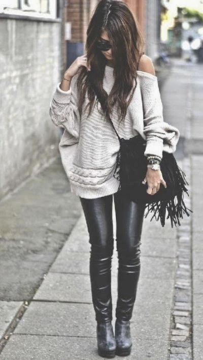 Adorable knit over sized sweater with handbag and leather pent