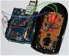 Los ratones ópticos tienen una muy pequeña cámara de baja resolución y el hacker Franci Kapel lo sabía, por lo que con un poco de ingenio, se las arregló para convertir un ratón óptico Logitech RX 250 en una Arduino Webcam. Para ello desarmó el ratón y tomó el sensor óptico del mismo, un ADNS-5020 …