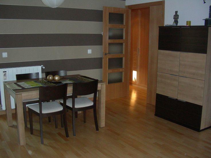de qur color pintar las paredes de una sala con muebles color chocolate