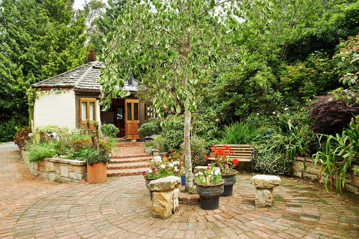 i think we could be happy here, cottage garden in new zealand  • photo: michael vall • the new york times