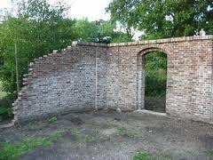 Afbeeldingsresultaat voor oude tuinmuur