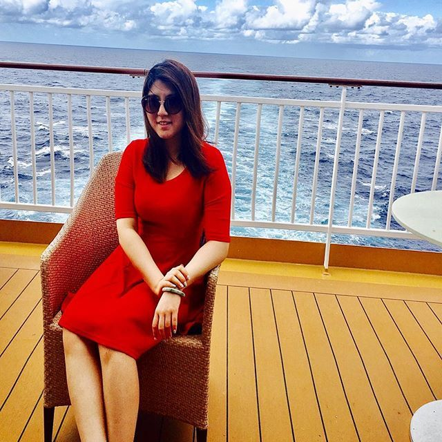 【juliana_jq_】さんのInstagramをピンしています。 《#norwegiangem #deck #甲板 #trip #vacation #航海 #sea🌊 #海 #ocean #reddress #naturephotography #nature #fashion #outfit #sintmaarten #sintthomas #pinkshoes》