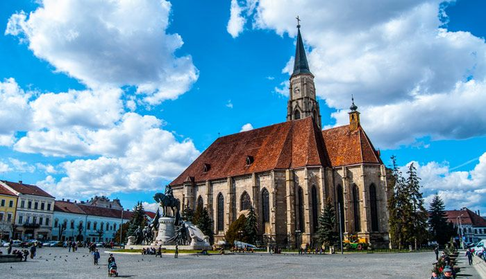 VISIT CLUJ - Lonely Planet designated Transylvania the #1 region in the world as a 2016 destination.  In the heart of the region, the city of Cluj-Napoca sends a warm message to anyone who wants to listen: Welcome!   http://www.thebalkanbackpacker.com/destinations/visit-cluj/