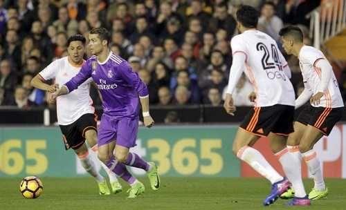 Cristiano Ronaldo firma su decimoquinto tanto y se sitúa a cuatro de Messi