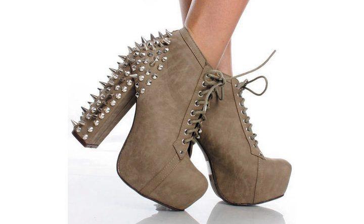 Botillions ayakkabılar kadınlar arasındaki modasını hiç kaybetmeyecek. Bileklere kadar çıkan ve bacakların daha iyi görünmesini sağlayan bu botları gelin inceleyelim.