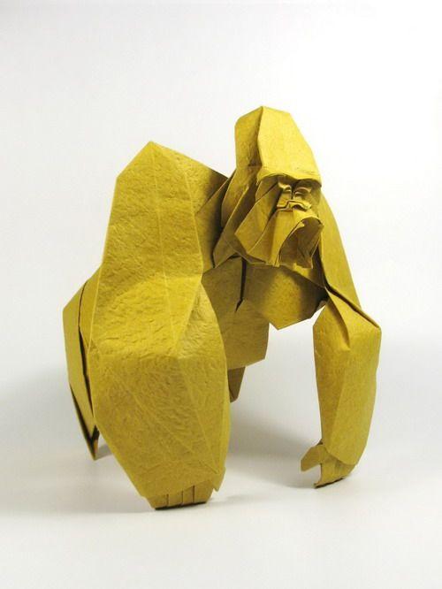 Creare qualsiasi cosa partendo da un quadrato: questa è l'idea di Nguyễn Hùng Cường e di chiunque adori gli #origami.