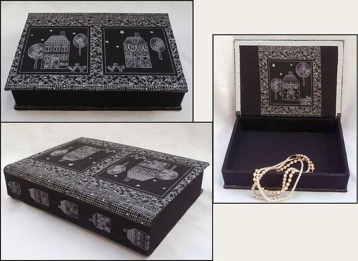 Druhá textilem potažená krabice, Vyrobena byla z desek vyřazené knihy..