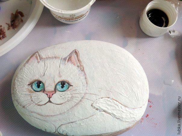 """Λευκή """"γάτα και το ποντίκι"""": ζωγραφίσει την λίθινα και οστέινα αβοκάντο - Έκθεση Masters - χειροποίητο, χειροποίητο"""