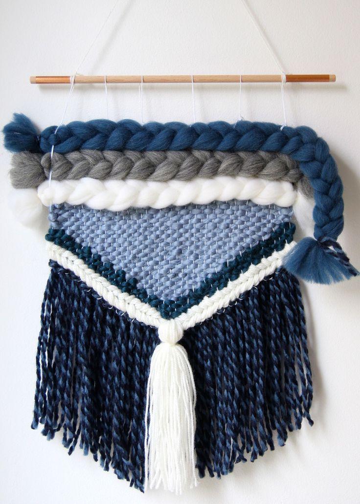 Tissage mural en laine avec grosses tresses bleu : Décorations murales par mowakke