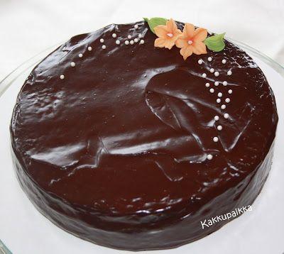 Kakkupaikka: Sacher-tyyppinen suklaakakku (munaton, maidoton)