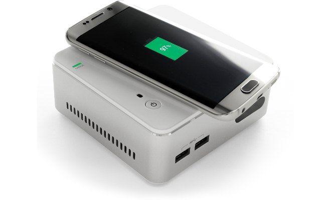 スマホを「置くだけ」で充電できる小型PC「ECS LIVE STATION」 - インターネットコム
