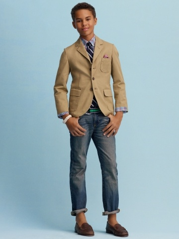 Sport jackets for men are so versatile, wear them on casual dates or to parties and concerts. The key is to pick out the right cut. Casual, hipster blazers aren't as tailored as their more professional counterparts.