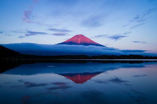 Blue: Rafael Rey, Mount Fuji, Landscape Photos, Blue, Engine, Red Fuji, Photography Blog, Amazing Photos, Agustin Rafael