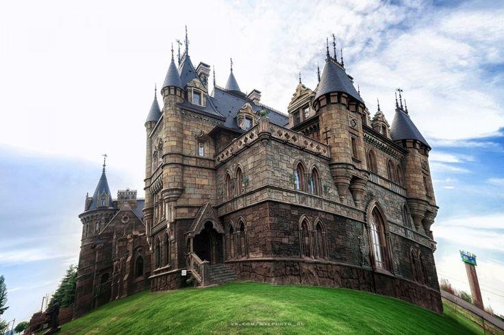 Замок Гарибальди - Южный и Восточный фасады. Фото Вадима Миронова