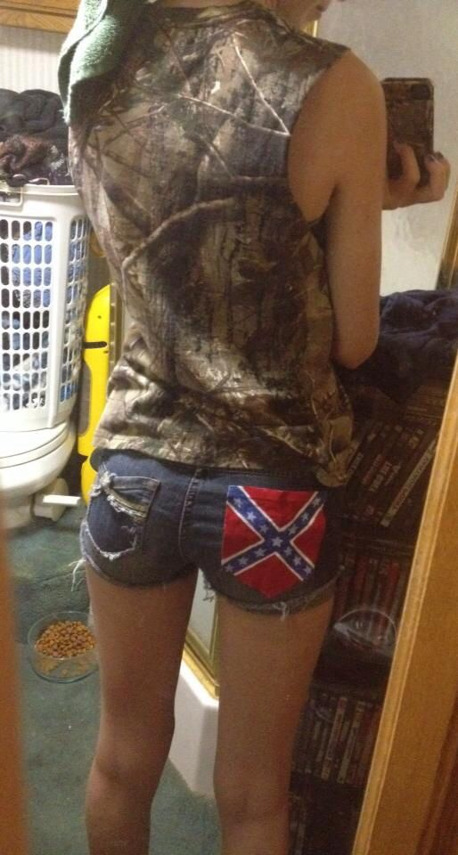 Camo, cutoff, shorts, rebel, love! but it might look better with an 'merican flag instead.. (: either way its cute