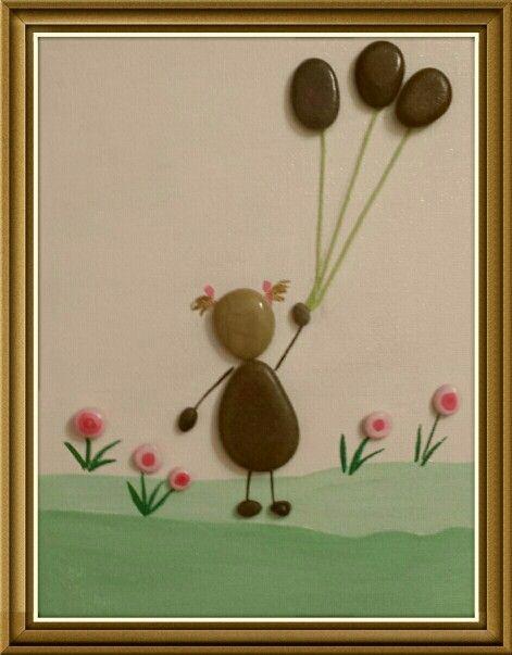 Bimba con palloncini -painted stones - di Rosaria Gagliardi