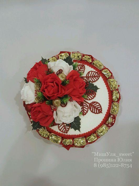 """Букеты ручной работы. Ярмарка Мастеров - ручная работа. Купить Новогодний торт из конфет """"Красно-белое"""". Handmade. Торт"""