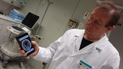 Potilaalle voidaan luoda laaja hoitoketju turvallisesti, edullisesti ja lähellä. Näin toteaa pienen neurologian yksikön ylilääkäri, joka näkisi mieluusti enemmän digitalisaation vahvistamista kuin terveydenhuollon hallinnon ja rakenteiden uudistamista.