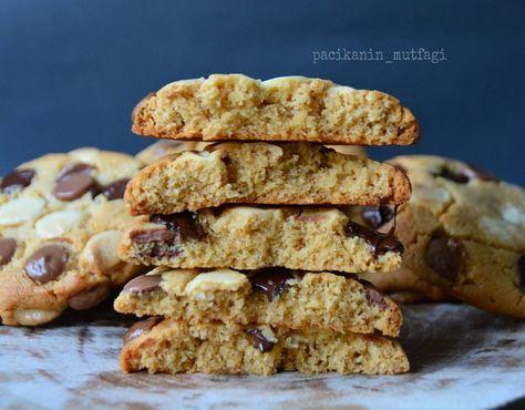 Hayırlı akşamlar 😊😊 Üç çikolatalı fıstık ezmeli kurabiye 🙆🙆 Bitter sütlü ve…