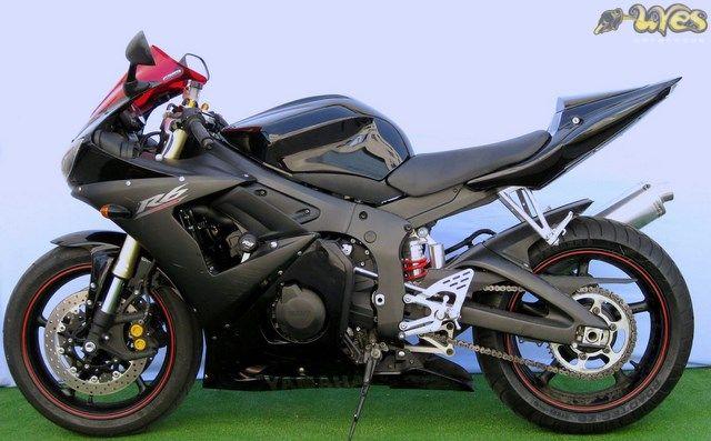 Colín Uves Rediseñado para Yamaha r6 2003-2005:  Incluye: .- Colin .- Tapa de colín desmontable .- Pase de rueda .- Piloto de led .- ...
