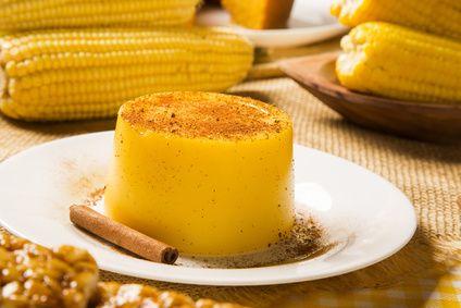 Receita de Curau no Pote. Reúna os amigos e a família para saborear uma receita de curau típica e saborosa. Prepare essa delícia!
