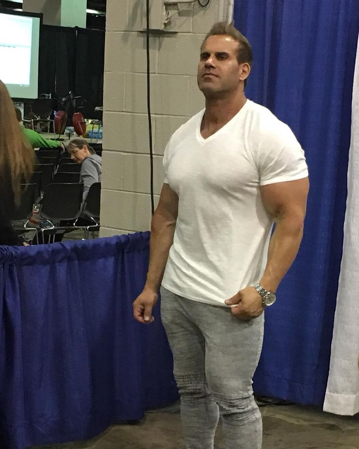 Jay Cutler at @thefitexpo. #bodybuilder #bodybuilding #muscle #celebrity #chifitexpo #jaycutler #fitness #fitfam #fit #exercise #buff #competition http://tipsrazzi.com/ipost/1508977815452795306/?code=BTw91QIAkGq