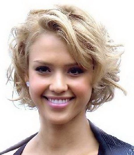 1000+ ideas about Coupe Cheveux Courts Bouclés on Pinterest ...
