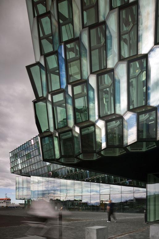 Mies van der Rohe Award 2013. Harpa de Reikiavik by Henning Larsen Architects, Batteríið Architects and Studio Olafur Eliasson. Photography © Nic Lehoux.