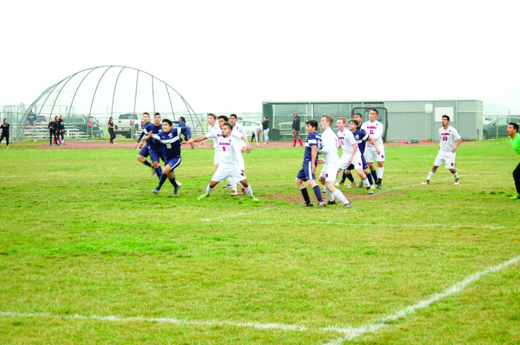 The Winters High School boys soccer team won their first Sacramento Valley League game last week when they defeated Pierce High School. The Warriors hosted the Bears on Thursday, Feb. 1, and pulled off a 2-1 victory. The Warriors scored their first goal in the first half to take a 1-0 lead at...  https://www.wintersexpress.com/sports-youth/warriors-spear-bears-in-first-league-victory/