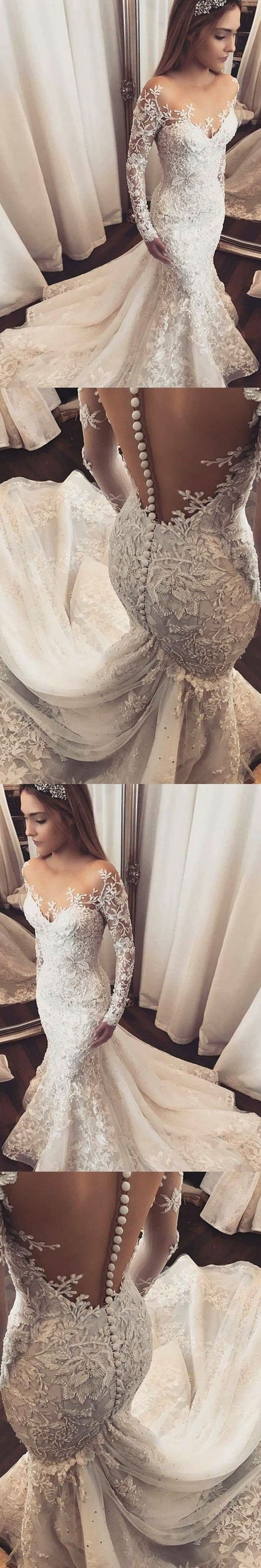 Gorgeous lace wedding dress for a winter fairy tale wedding. #winterwedding #fairytalewedding
