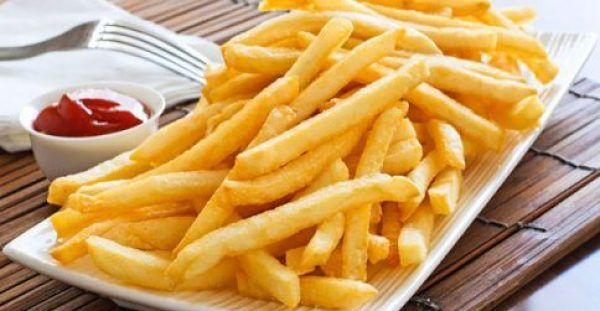 """Πώς να τηγανίζετε τις πατάτες για να μην είναι """"καρκινογόνες"""""""
