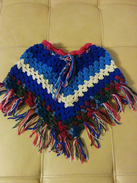 Handcraft Worx - colourful Poncho for a todler