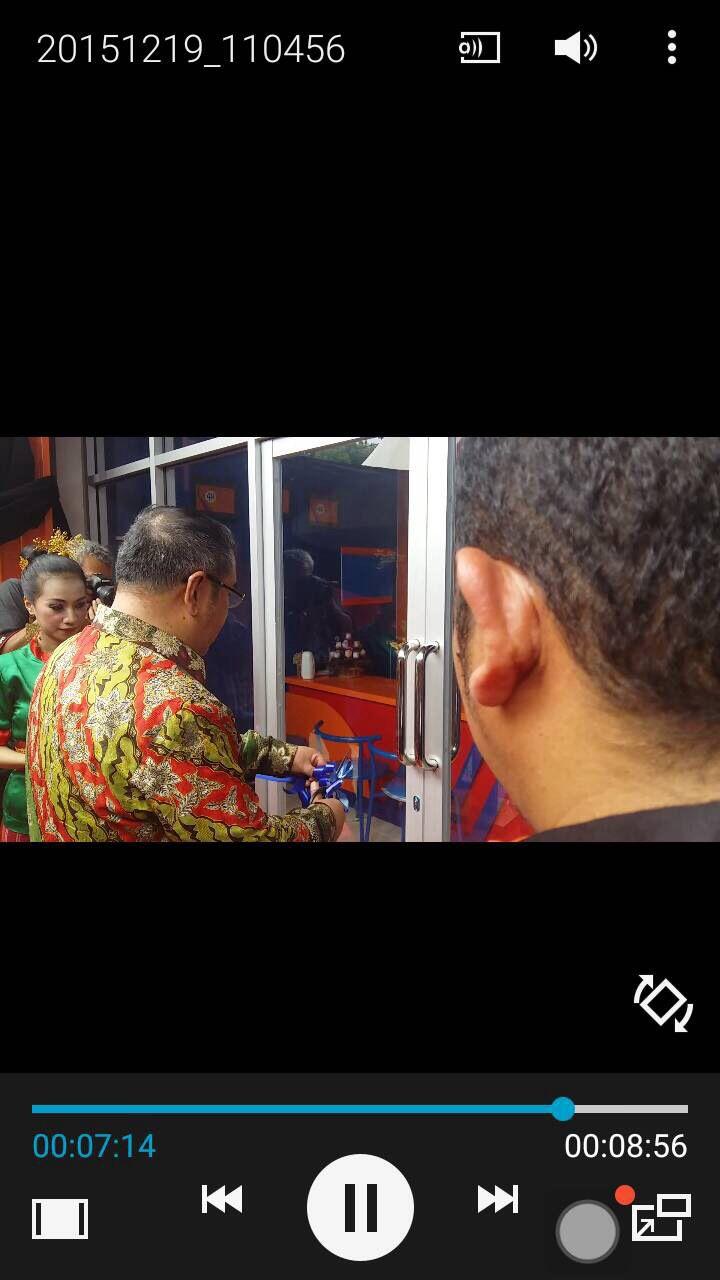 Proses Pengguntingan Pita 4JO KENDARI oleh Bapak Walikota Kendari, Sulawesi Tenggara.