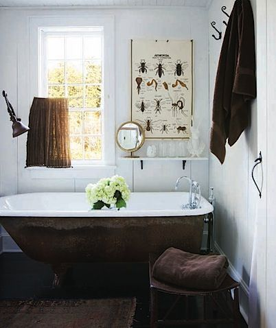 Love This Shabby Chic Bathroom.