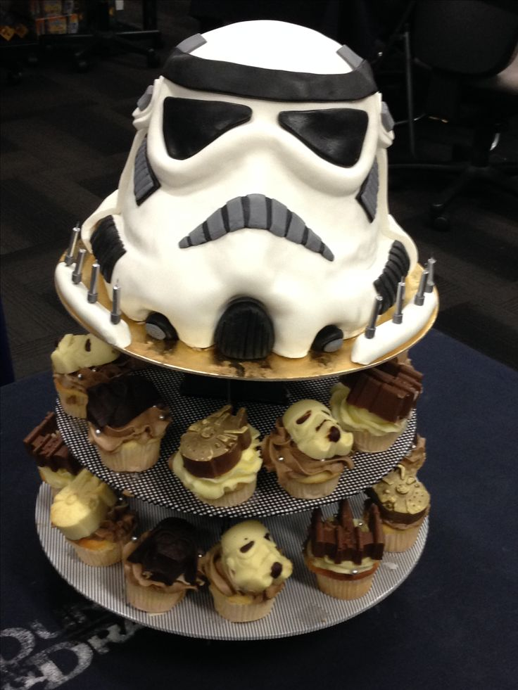 Stormtrooper cake with cupcakes. For Leah June 2016