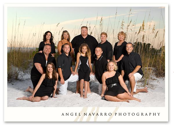 Large family portraits i have always wanted a family picture like this only everyone dressed in white cool pictures black and white