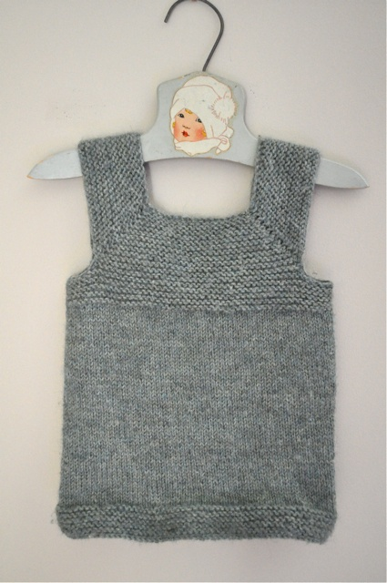 I love this. And it looks pretty easy to knit