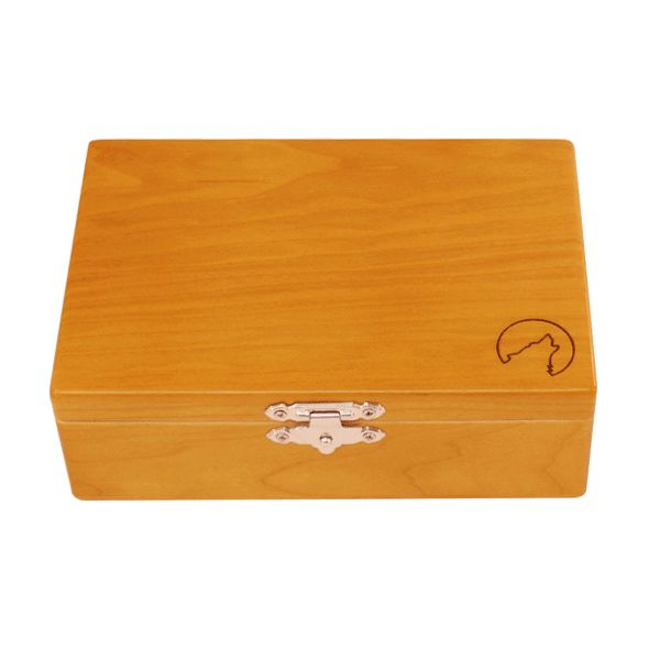 Wolf Productions Deluxe Rolling Box - T2L. Made from quality Red Birch with plenty of compartments for all your rolling needs! Dimensions - 175 x 120 x 50mm. For more information, please click the link or visit dotcombong.com.