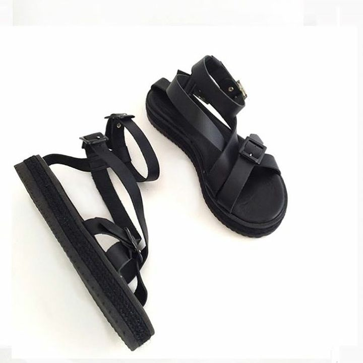 Black, leather, handmade // Your sandals for the Summer    Find @eleanna_katsira collections at @showroom.10   #showroom10 #fashion #accessories #fashiongram #leaaher #sandals #greeksandals #greekdesigner #ss17 #buyers #followthebuyers