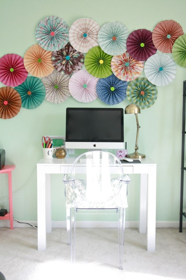 A DIY Paper Pinwheel Tutorial | Dream Green DIY. I like these pinwheels either favors or decorations